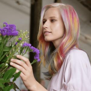 Elins Hårstudio color marbling lifestyle wildflower2